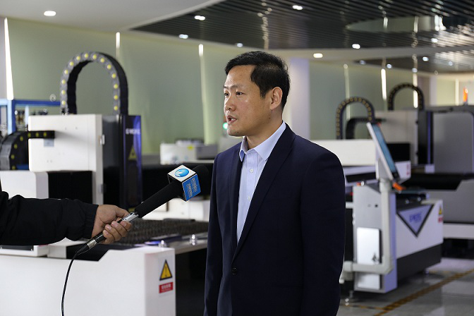 XiFeng Jiang: Innovation for 15 years to push the cutting Machine Market into an Intelligent Age